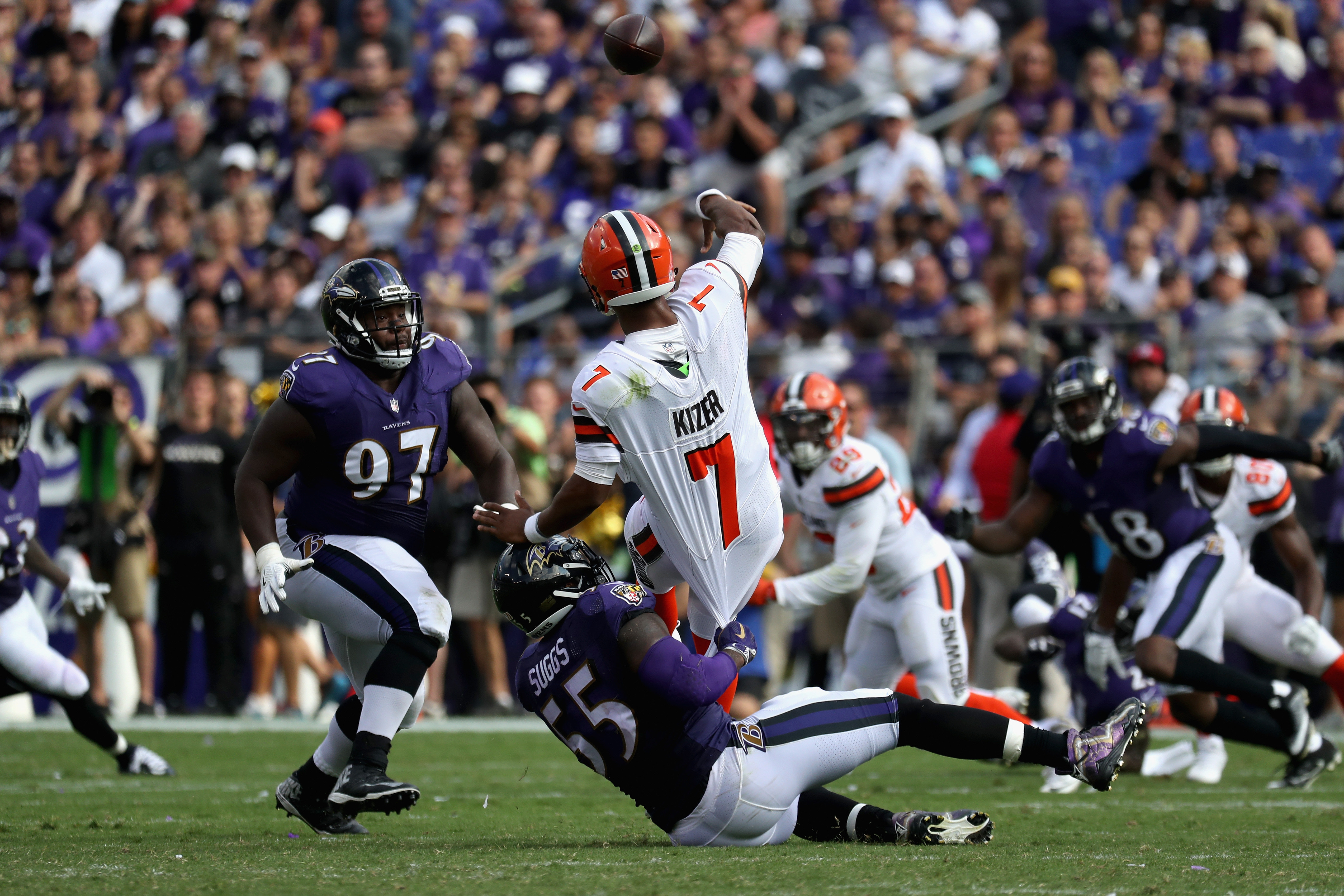 Ravens beat Browns to keep playoff hopes alive